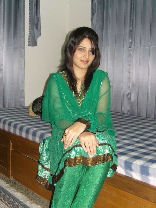 Picture gal 17. True essence of real pakistani girl comes when they naked