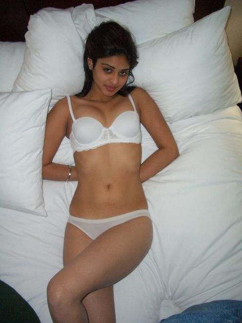 Picture gal 23. Young pakistani wifes on their honeymoon
